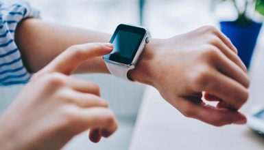 Can You Use Facebook On A Smartwatch