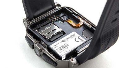 How do You Put an SD Card in a Smartwatch