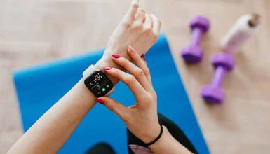How to Charge a Fitness Tracker