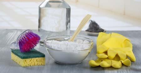 Prepare A Vinegar And Baking Soda Solution