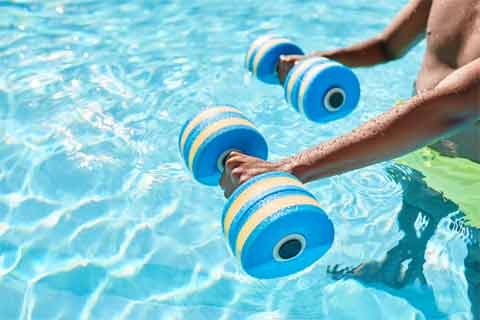 How to Use Water Aerobics to Lose Weight and Soothe Joints