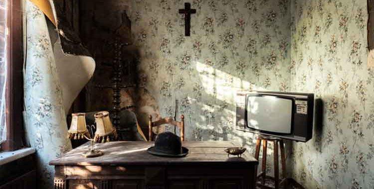 Tips for Appraising Antique Furniture
