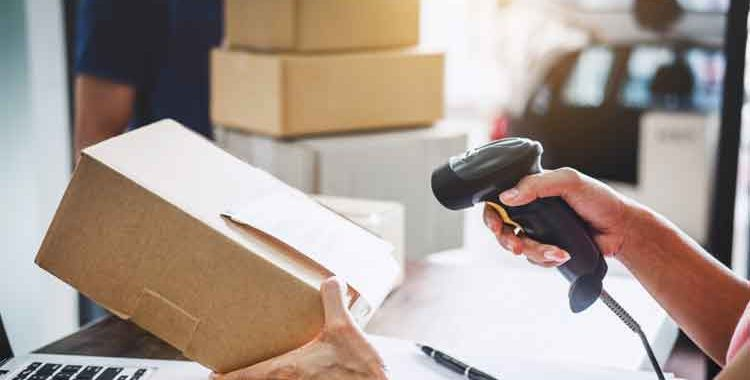 Ways to Tracking a Package From the Post Office
